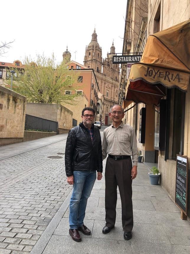 Con Dr. José Abel Flores, director del Centro Cultural de la Universidad de Salamanca